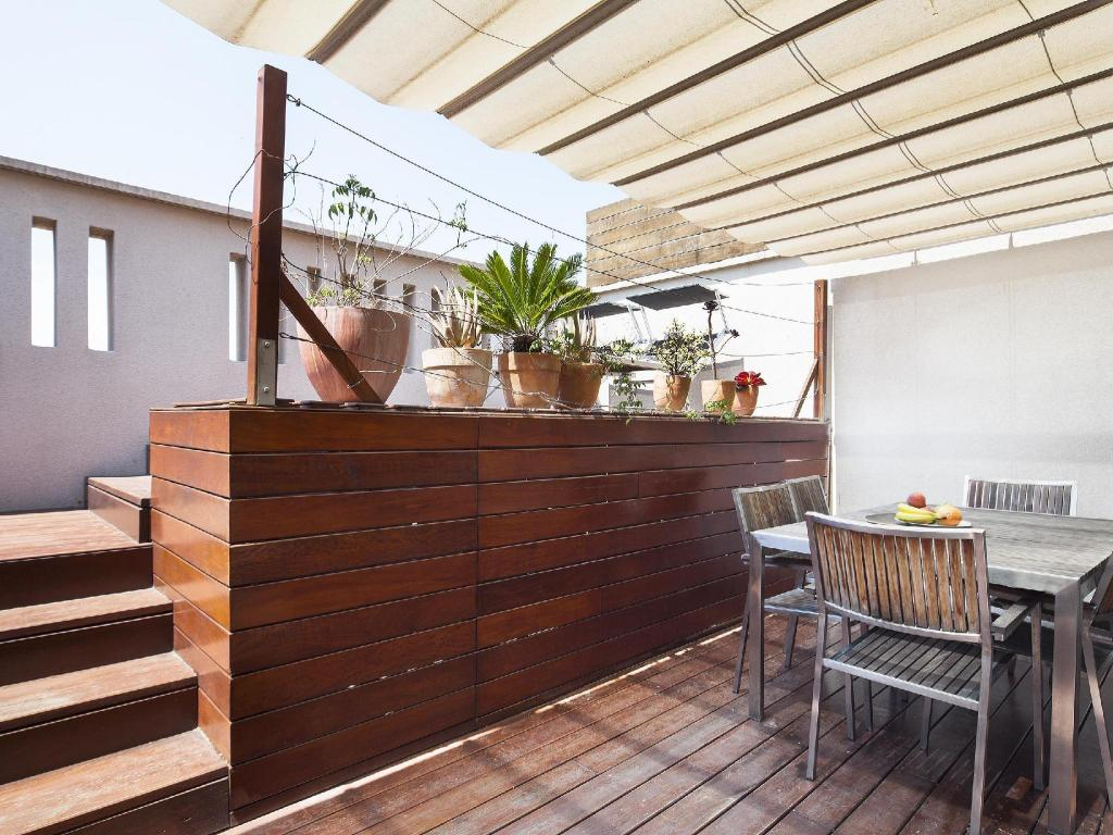 Duplex Apartment with Terrace Inside Barcelona Apartments Mercat