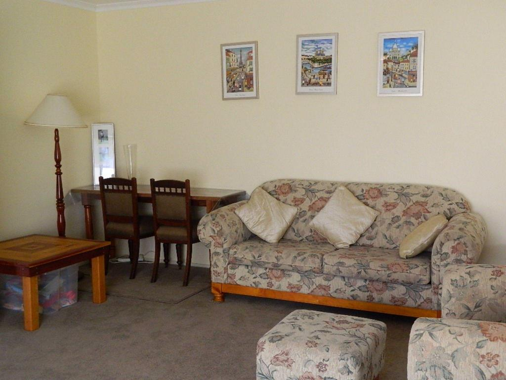 Guestroom Port Fairy Holiday Rentals, Hever House