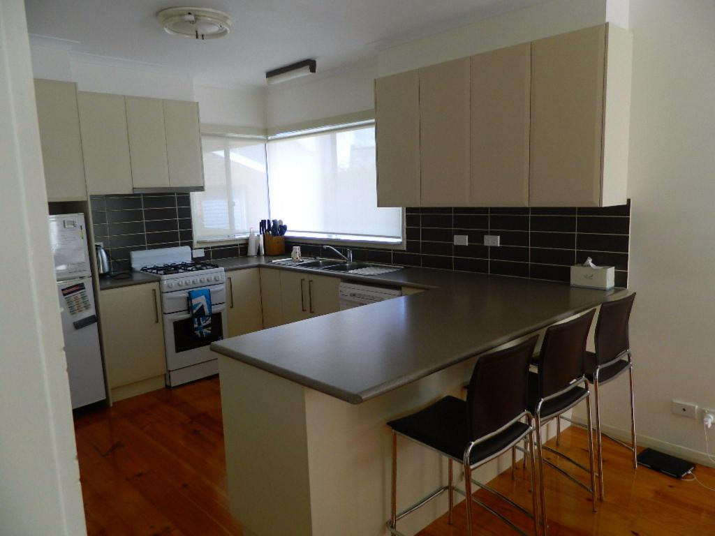 Kitchen Port Fairy Holiday Rentals, Hever House