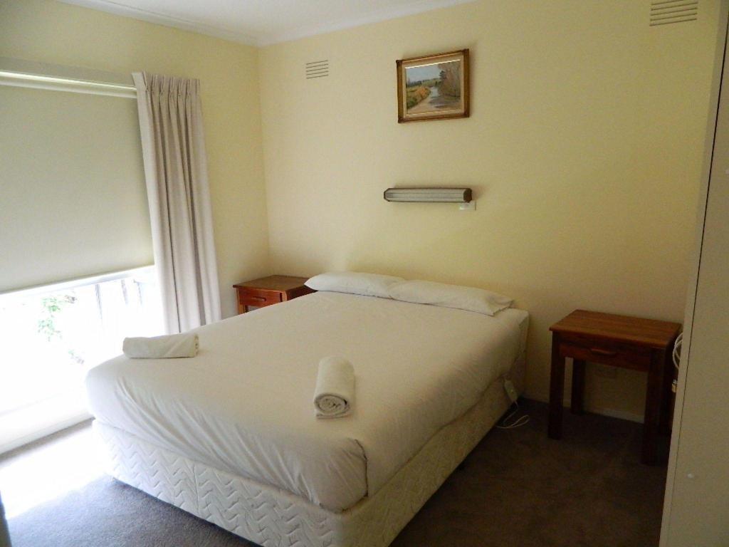 Bed Port Fairy Holiday Rentals, Hever House