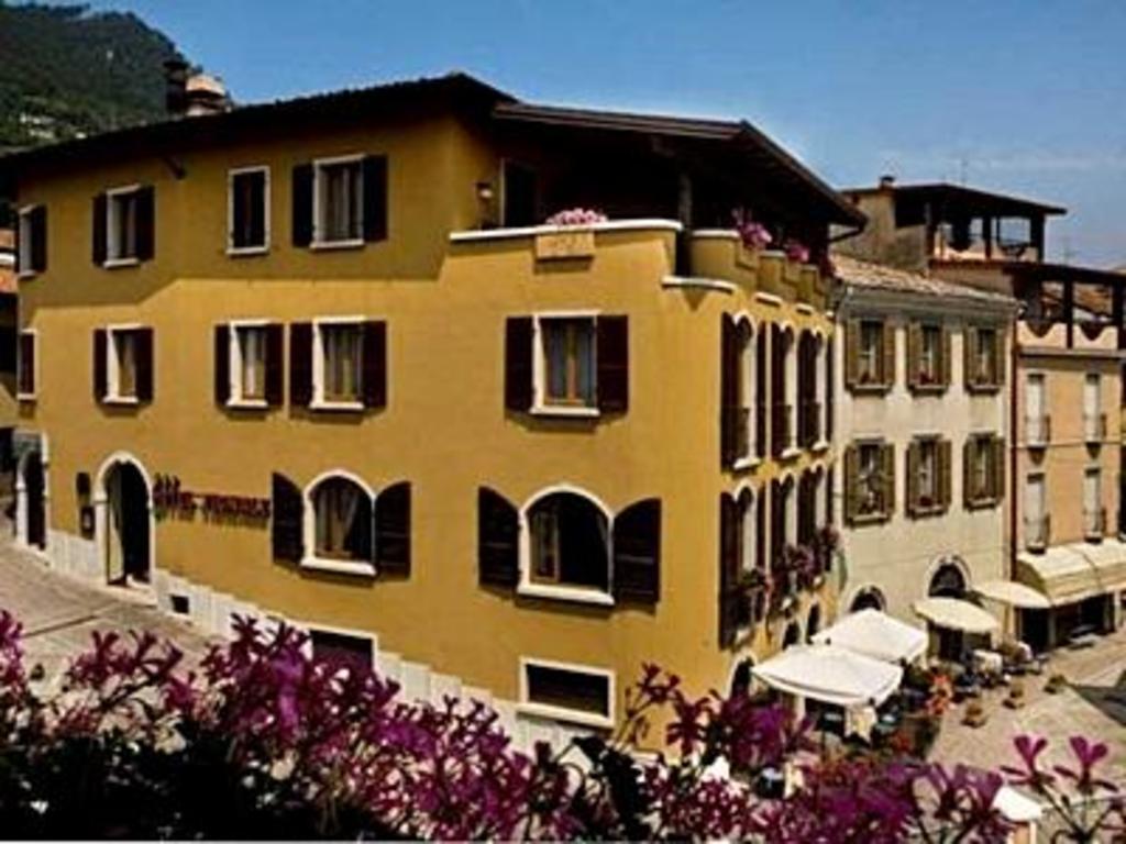 Garni Hotel Tignale Italien Ab 47 Agoda Com