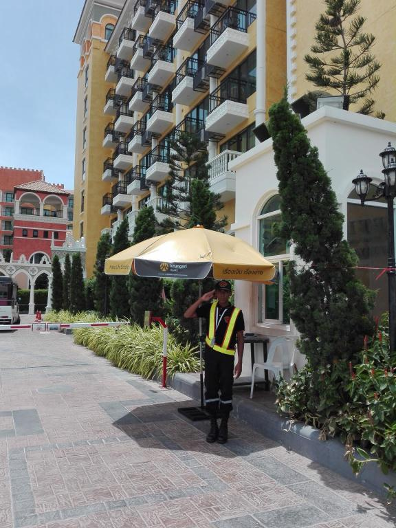 Entrance Venetien Signature Condo Resort Jomtien by PSK