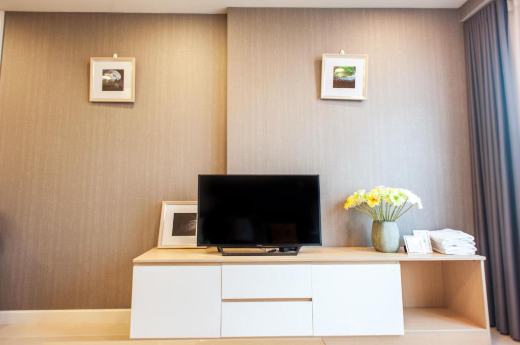 Tampilan interior Taga Home ICON56 Standard 2 Bedroom Apartment 3