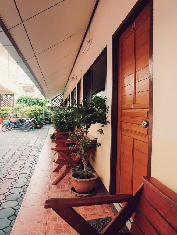 Balcony/terrace Orchids Guest House