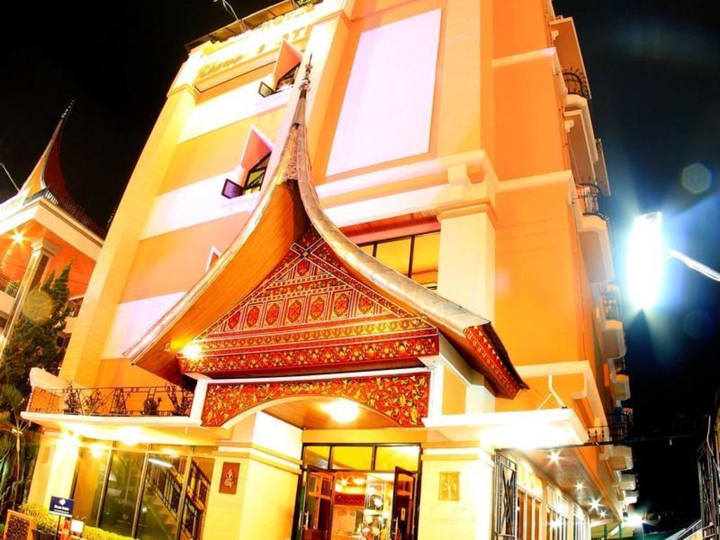 Best Price On Kharisma Hotel In Bukittinggi Reviews