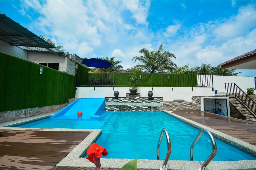 Best price on vacation home villa 969 in port dickson - Summer house with swimming pool review ...