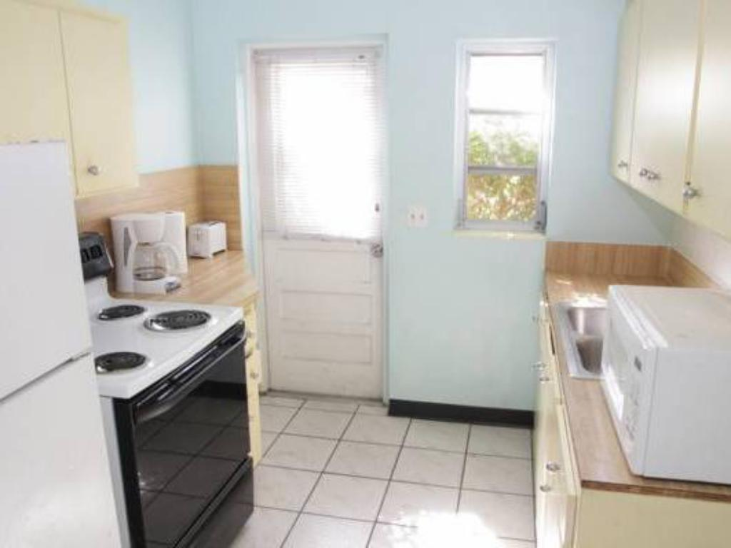 1 Bedroom Apartment - Kitchen Eastward Strand