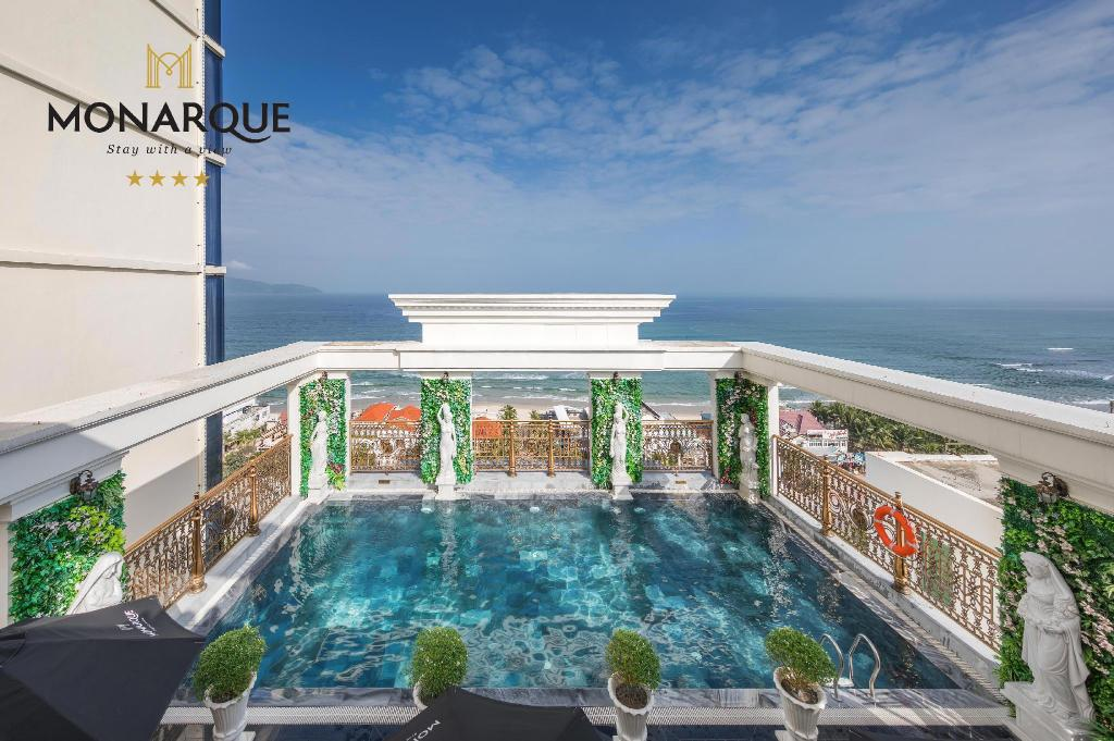 More about Monarque Hotel Danang