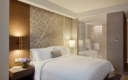 Classic King Bed - Room plan Al Bandar Rotana - Dubai Creek
