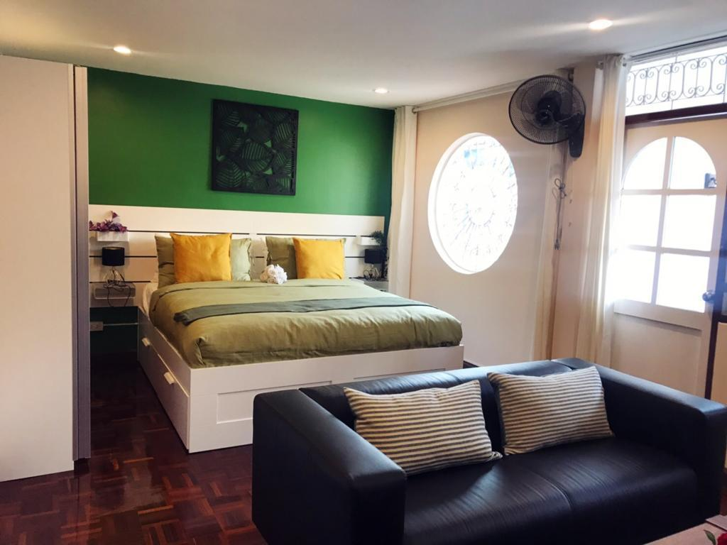 Deluxe Double Room with Balcony - Bedroom