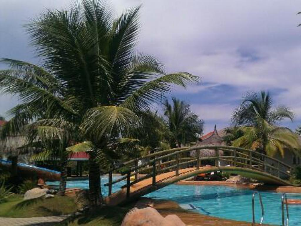 Swimming pool [outdoor] Bohol Wonderlagoon Resort