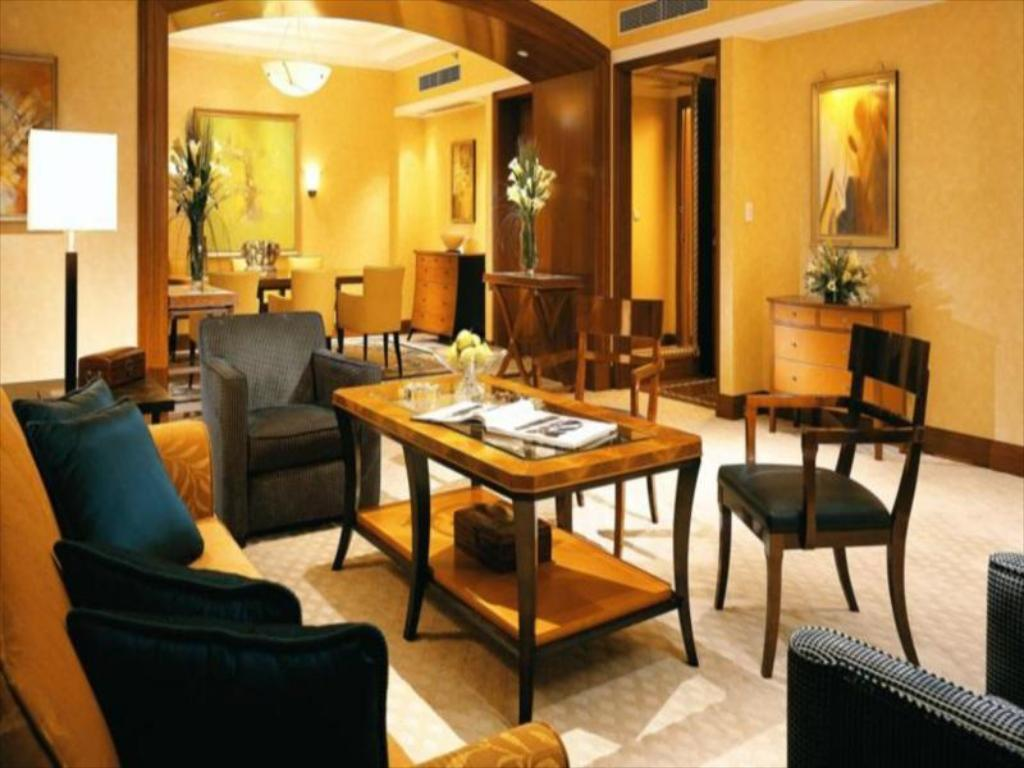 Interior view Four Seasons Hotel Shanghai