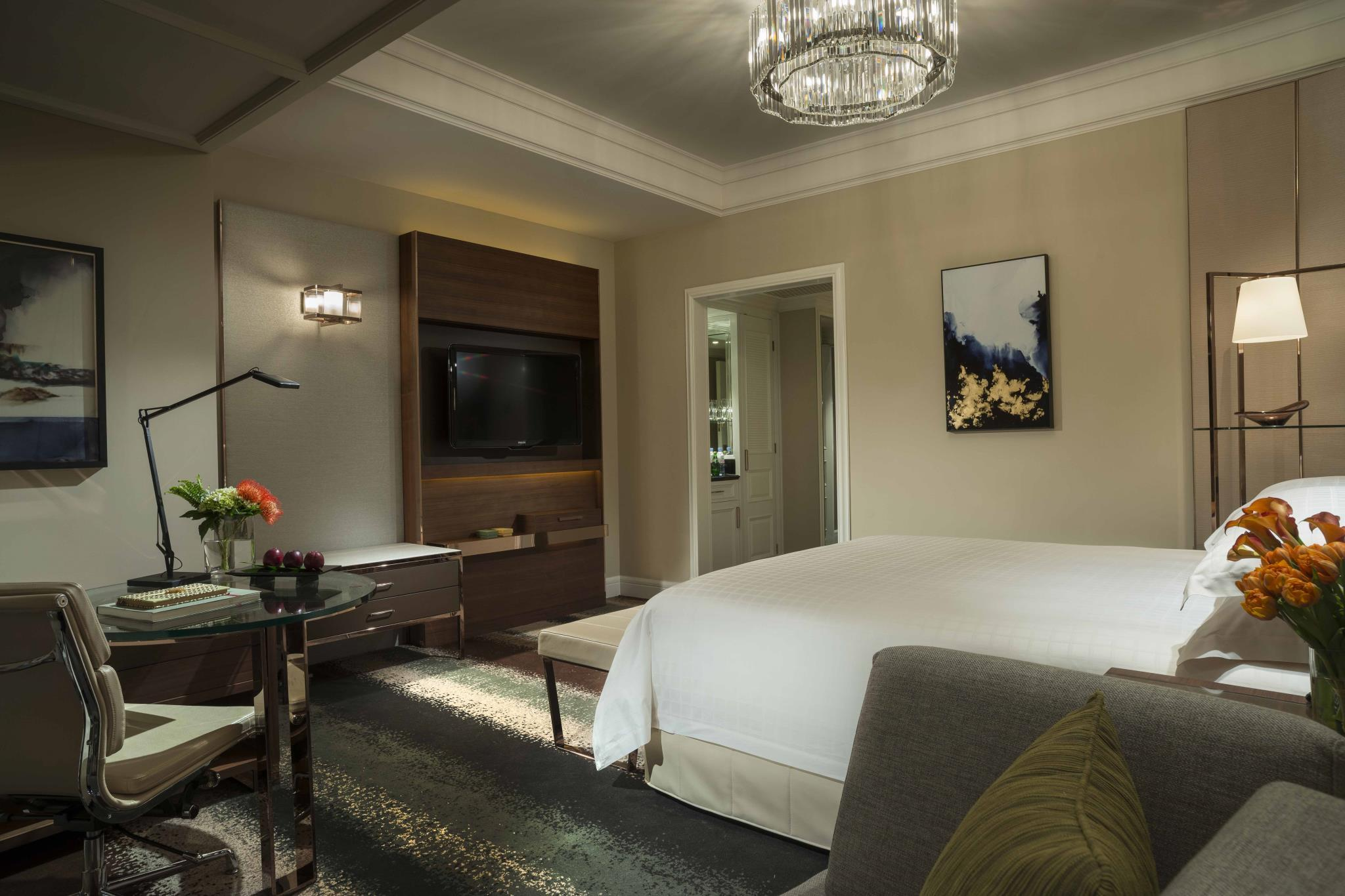 Grand Deluxe Room with King Bed