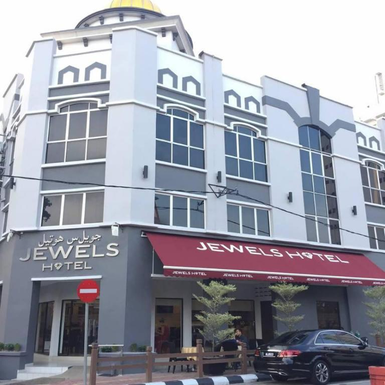 More about Jewels Hotel