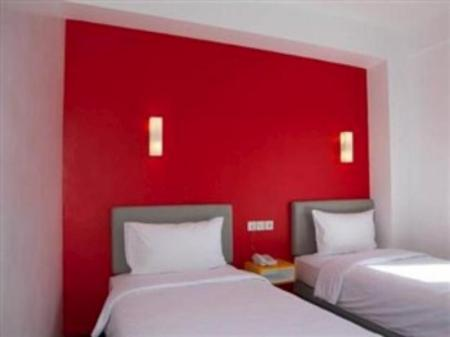 Kamar Smart Twin Amaris Hotel Ambon