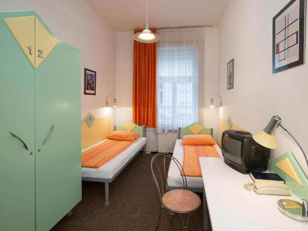 En-suite Twin Room Marco Polo Top Ho(s)tel