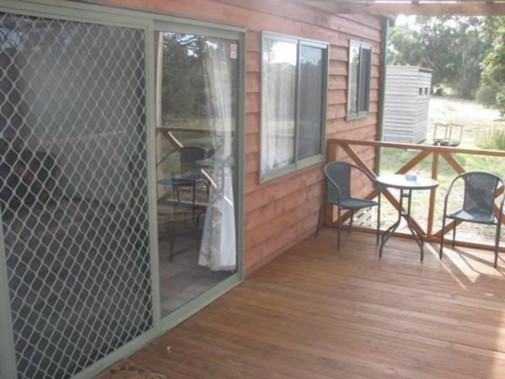 Balcony/terrace Seal Bay Cottages - Kaiwarra