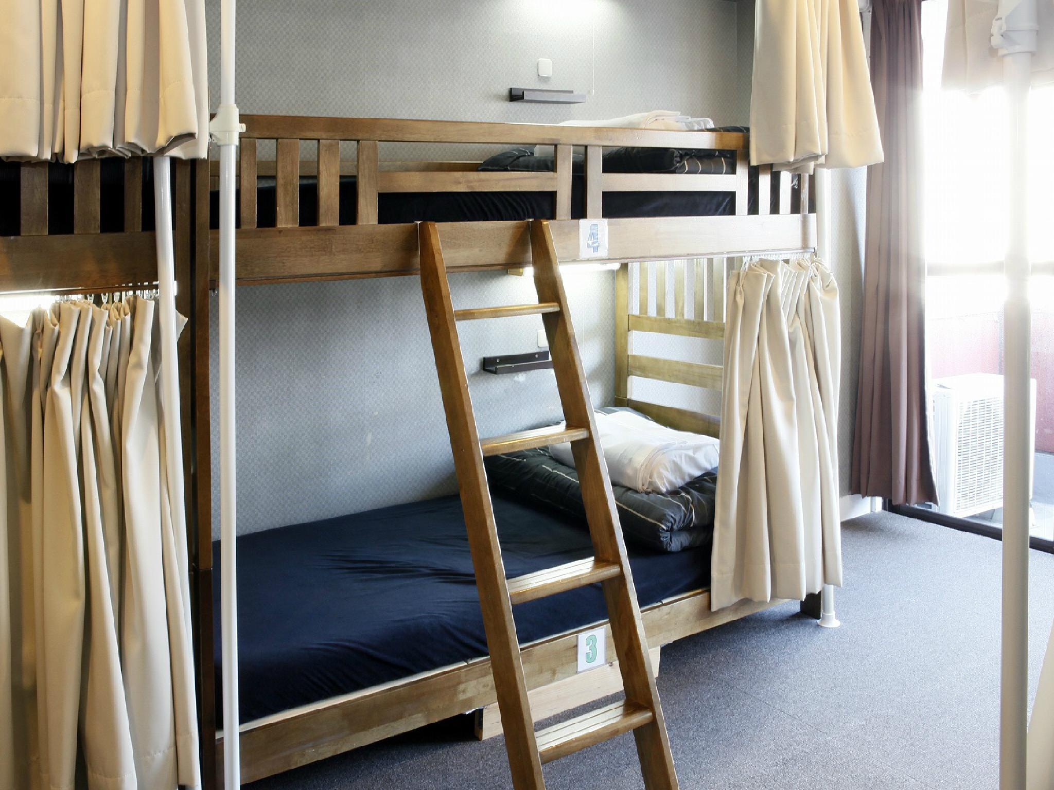 【2張床位】6人宿舍 - 需共用衛浴/限女性 (2 People in 6-Bed Dormitory with Shared Bathroom - Female Only)