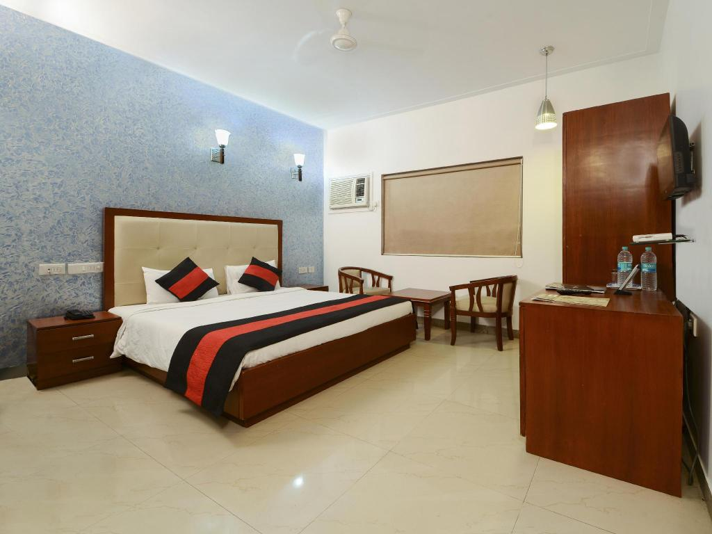 Super Deluxe - Guestroom Hotel Deviram Palace