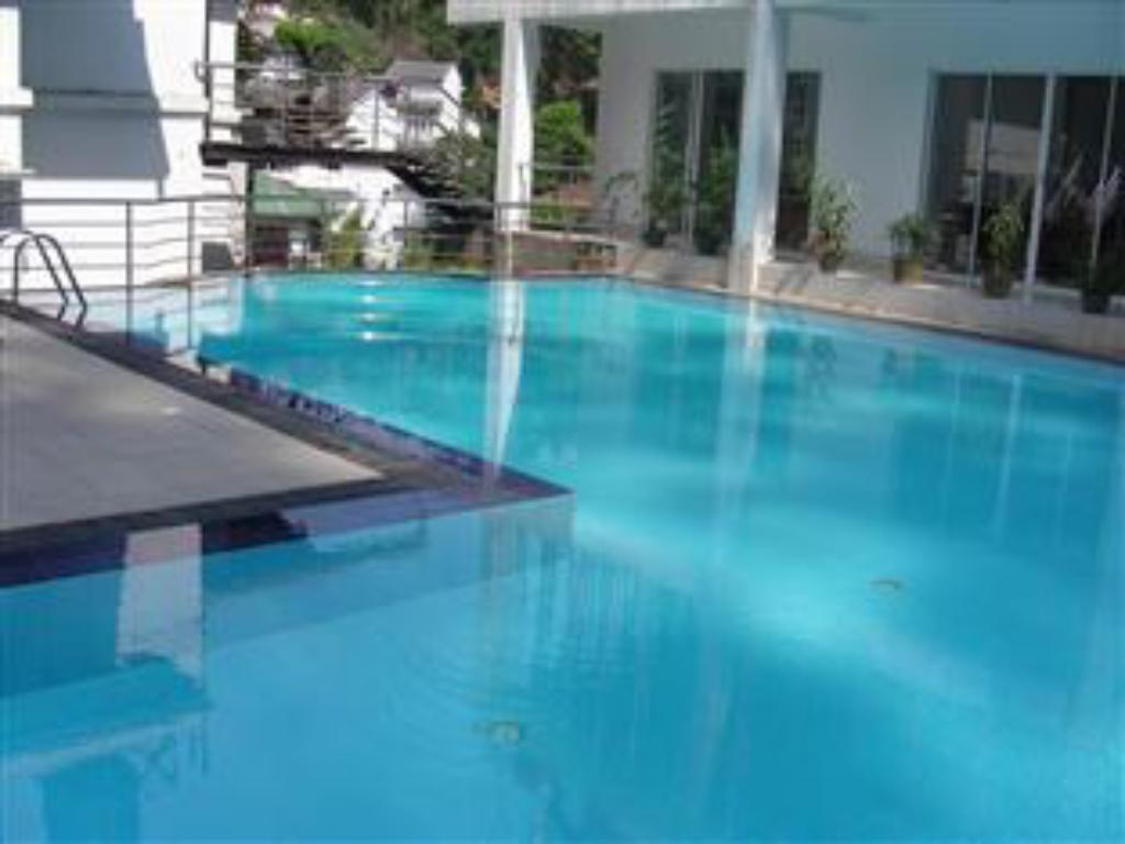 Best price on senani hotel in kandy reviews - Playmobil swimming pool best price ...