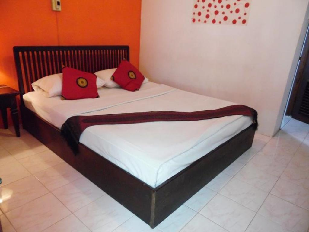 Standard King Bed Villa Suan Maak