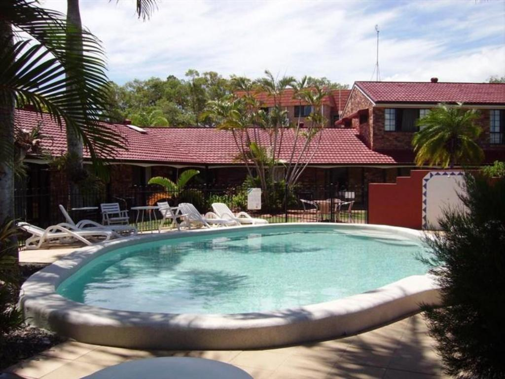 hervey bay colonial lodge in australia room deals photos reviews