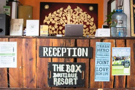 Lobby THE BOX - Lipe Resort