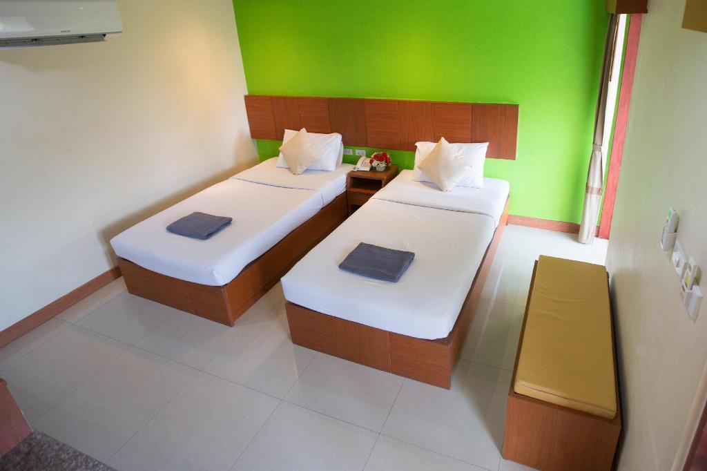 Standard Twin Bed - View Twin Palms Resort Pattaya