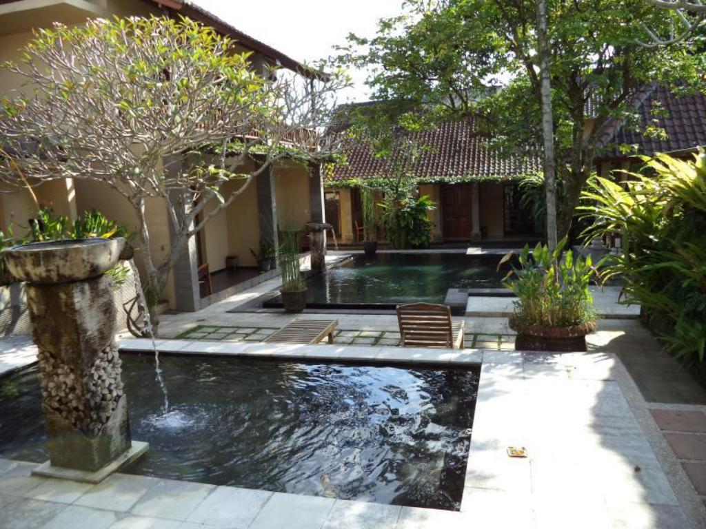 Swimming pool Lokasari Ubud