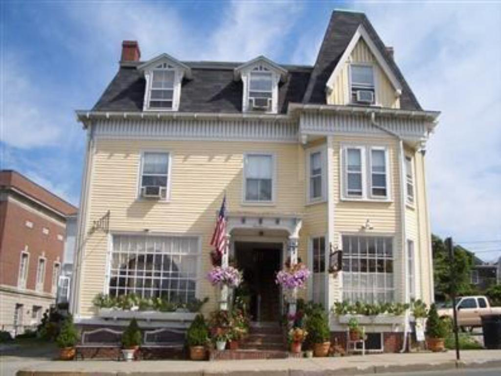 More about Burbank Rose Inn Bed & Breakfast