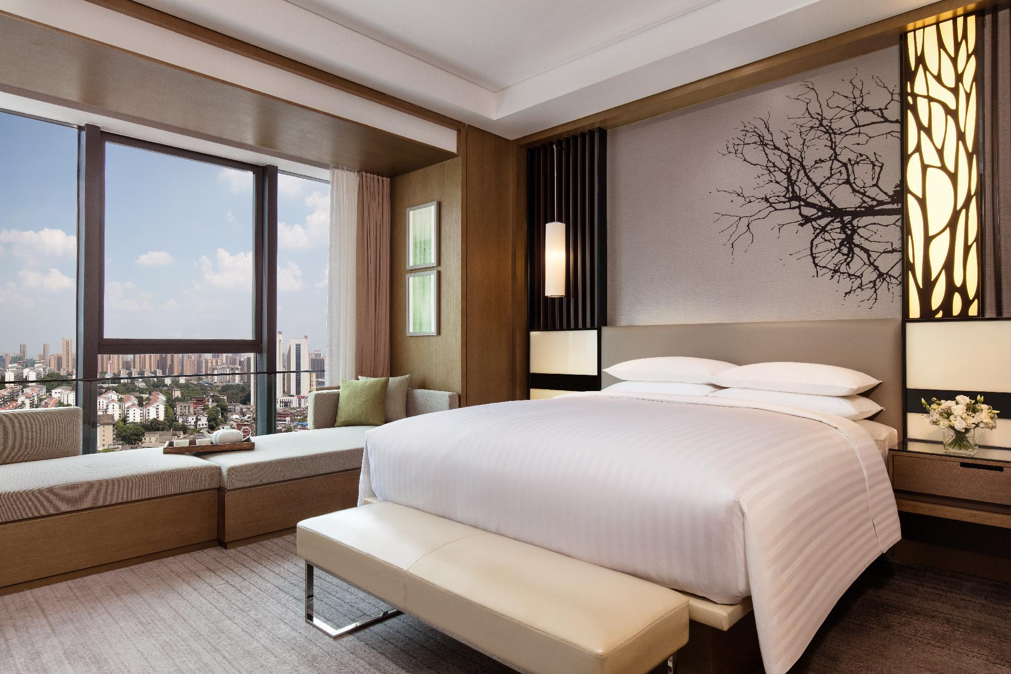Standard Room, Guest room, 1 King, City view