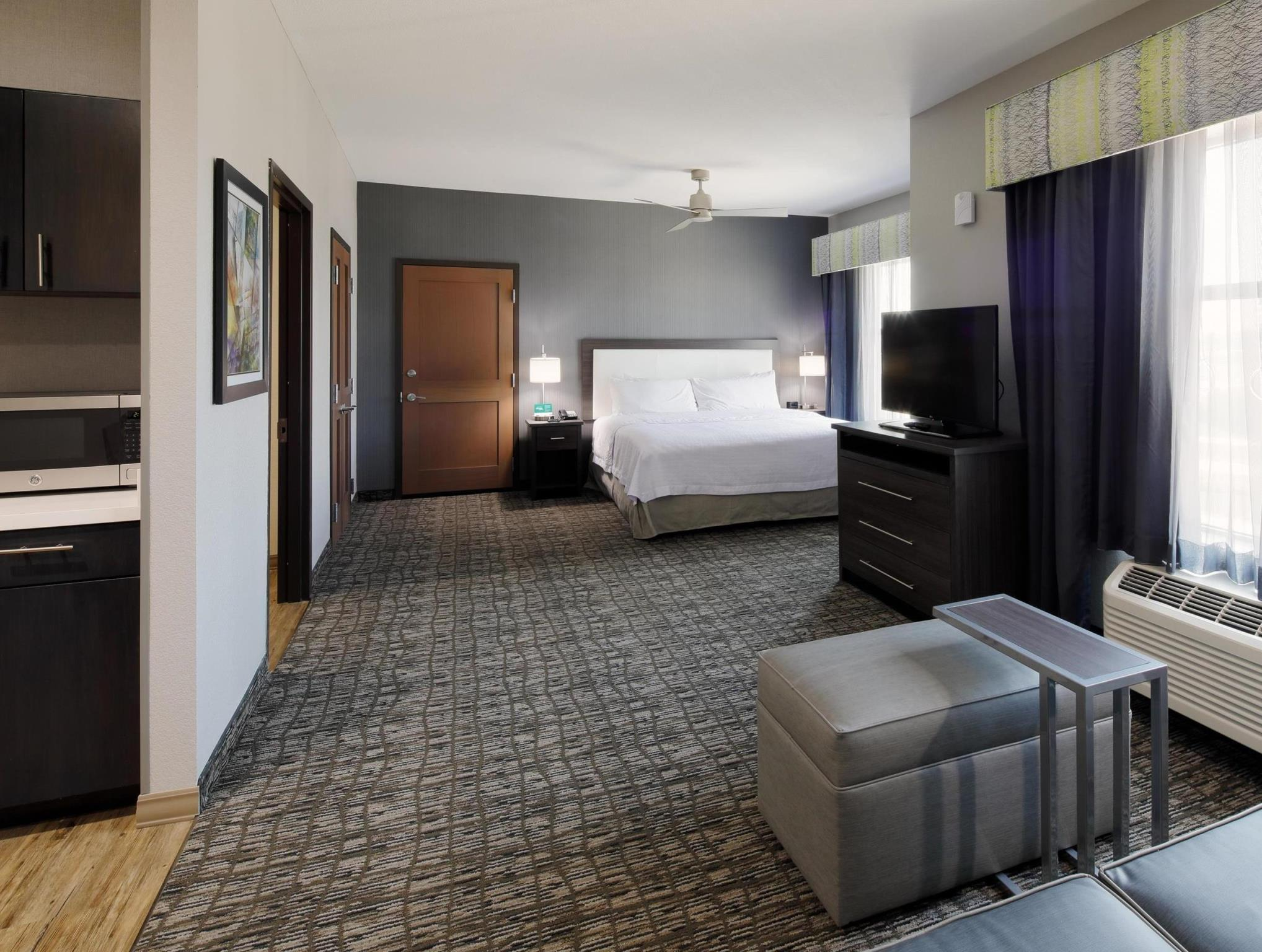 More About Homewood Suites By Hilton Topeka