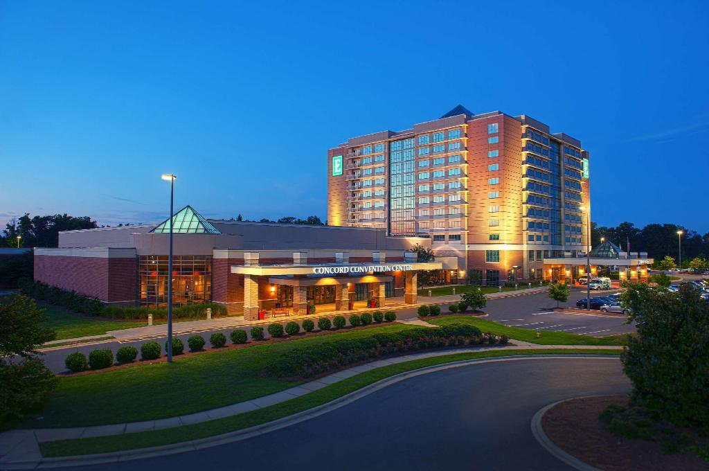 Embassy Suites by Hilton Charlotte Concord Golf Resort and