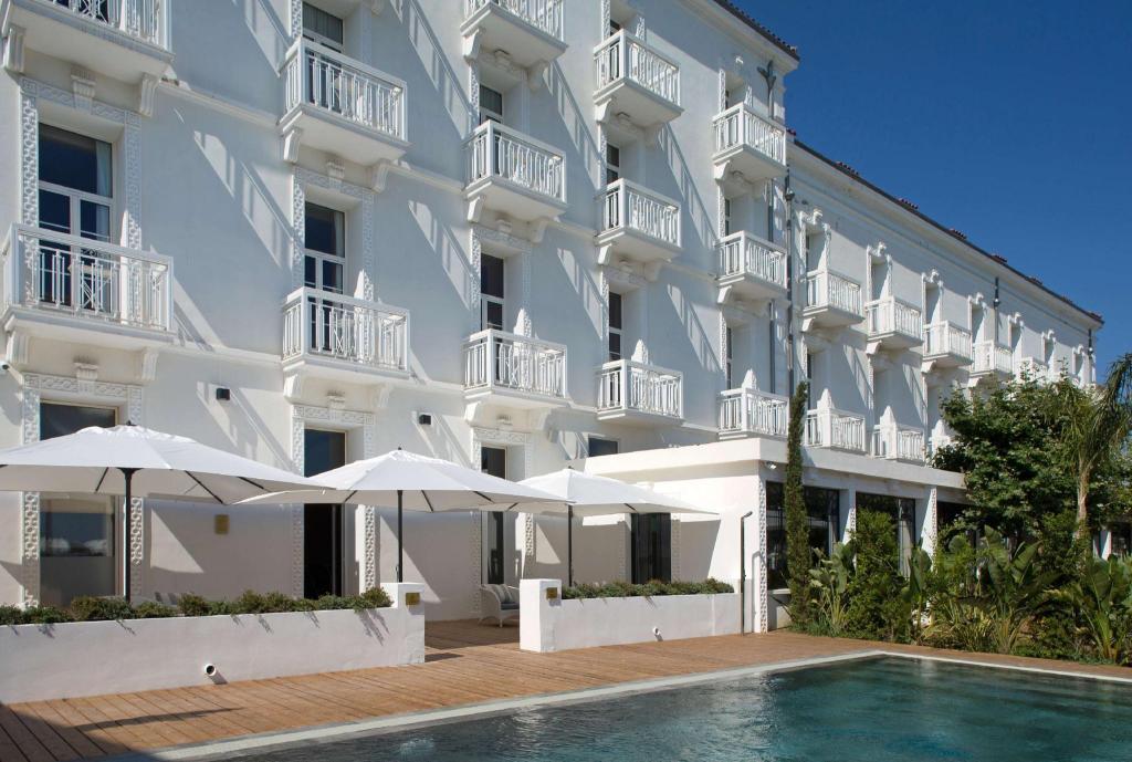 Grand Hotel Des Sablettes Plage Curio Collection By Hilton La Seyne Sur Mer 2020 Reviews Pictures Deals