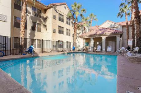Swimming pool [outdoor] Homewood Suites by Hilton Phoenix Chandler