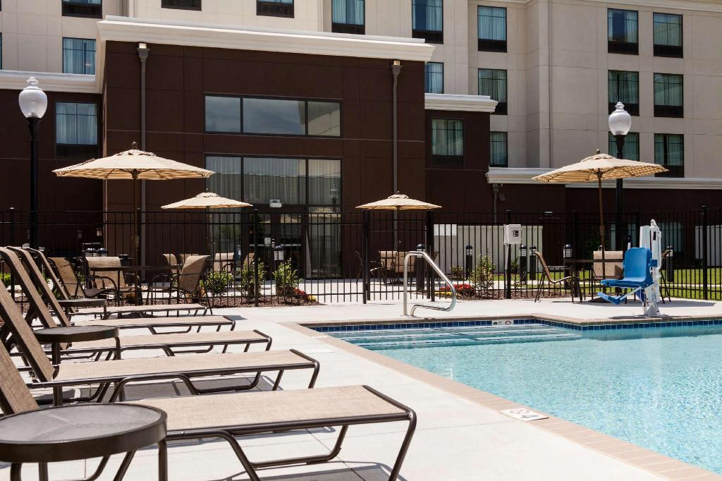 piscine extérieure Homewood Suites by Hilton Huntsville Downtown