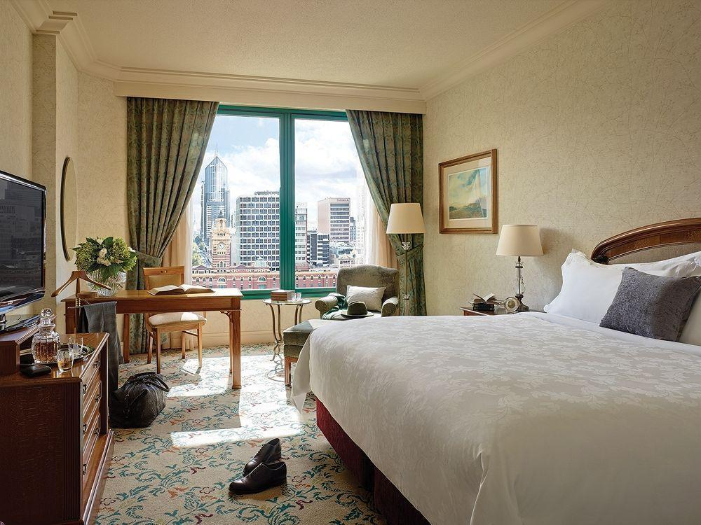 Deluxe River View Room with King Bed
