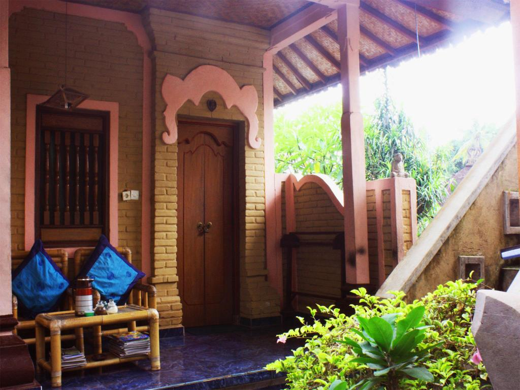 Standard - Outside seating area Teba House Ubud Guest House