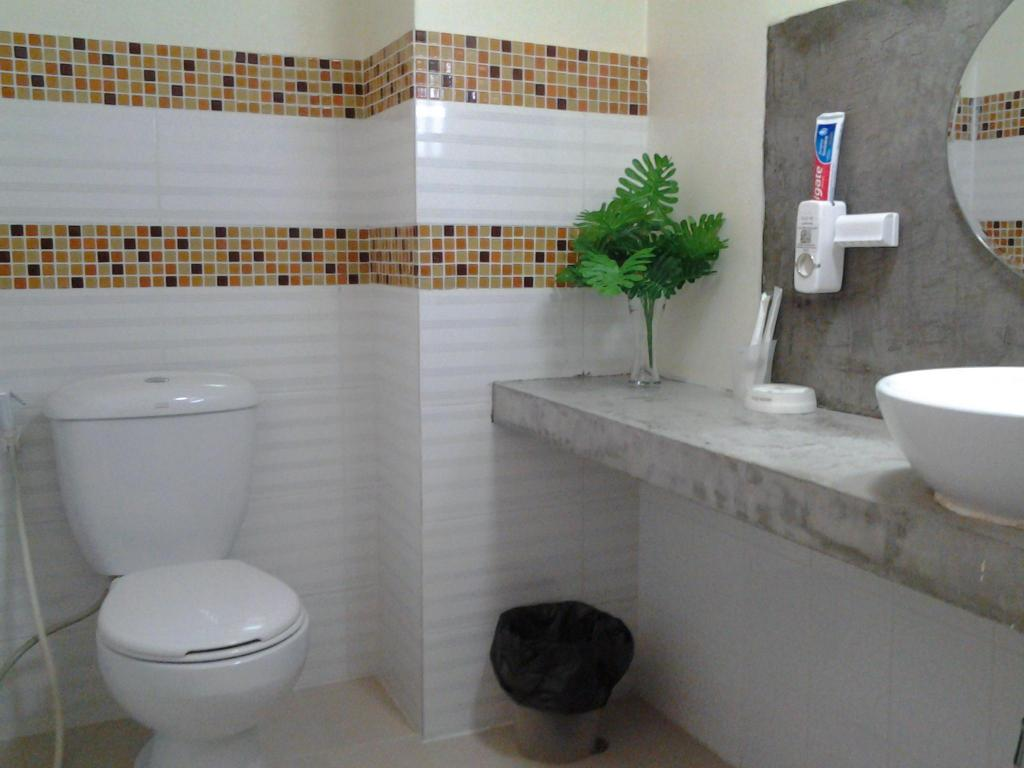 Bathroom AT. Center Guesthouse and Motorbike Pattaya