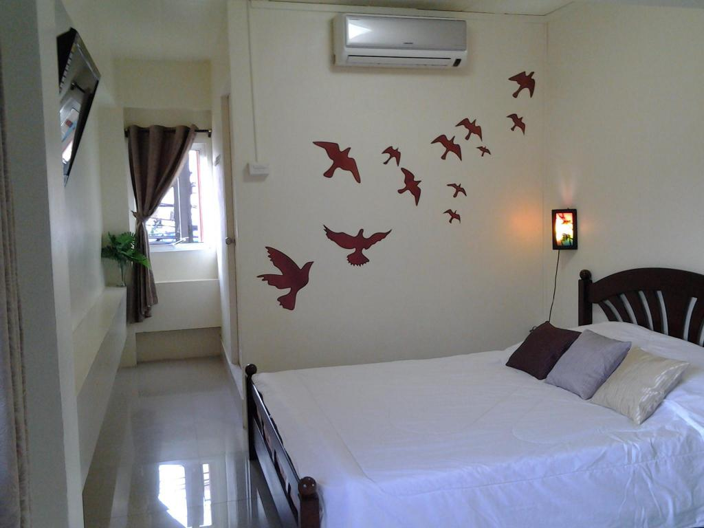 Standard Double Bed - Bed AT. Center Guesthouse and Motorbike Pattaya
