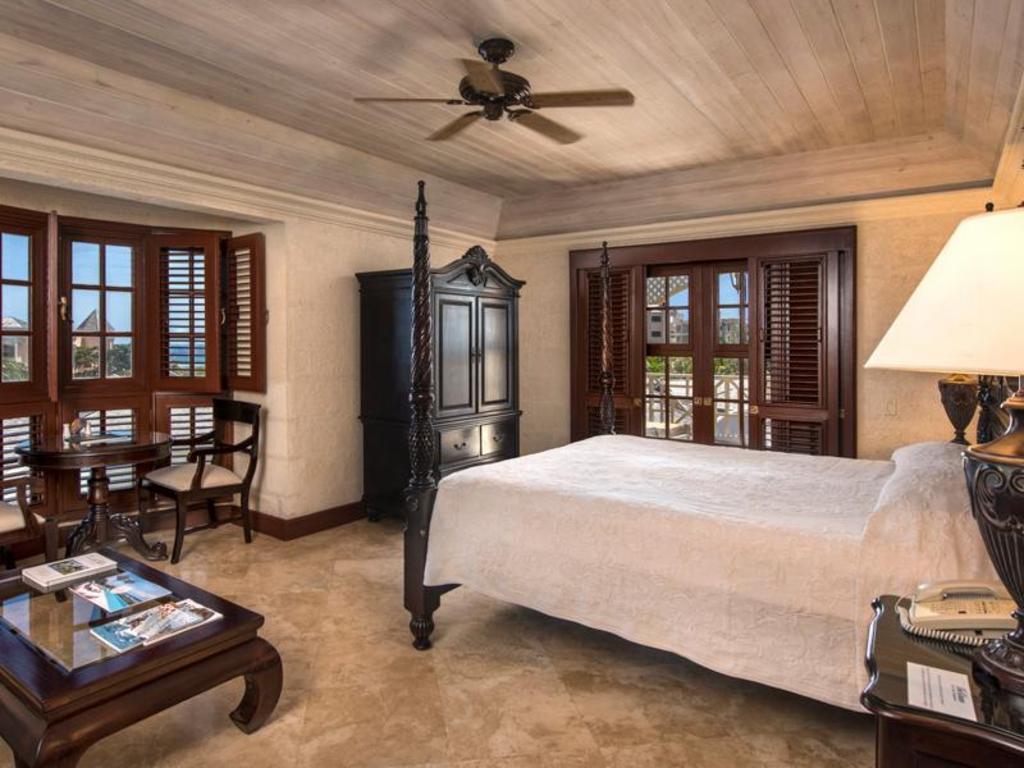 The Crane Resort in Diamond Valley - Room Deals, Photos