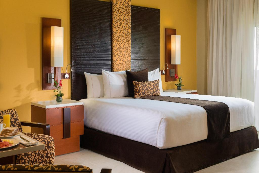 3 Bedroom Oceanfront Suite - Ágy Generations Riviera Maya a Spa Resort by Karisma All Inclusive