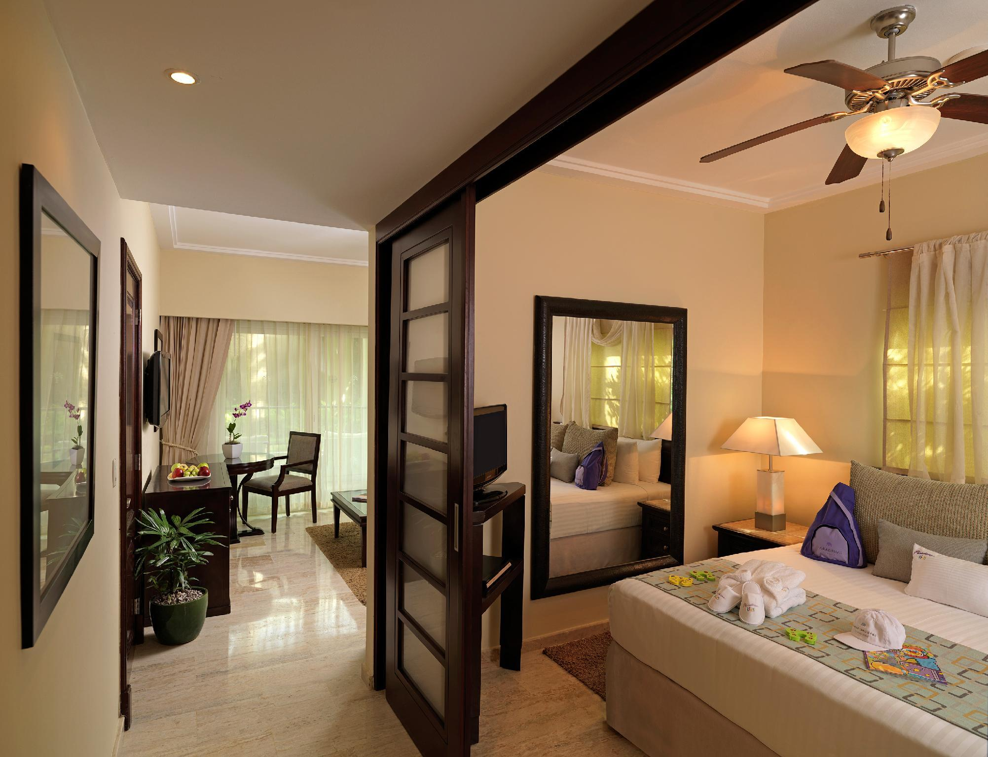 Family Concierge One Bedroom Suite