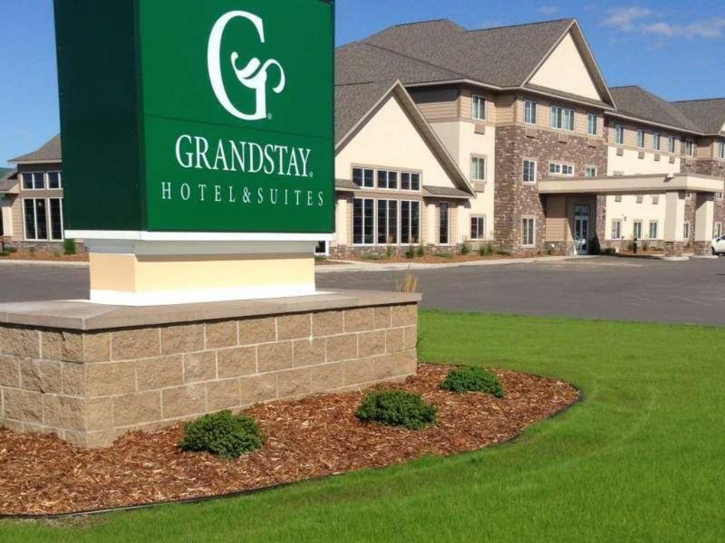 GrandStay Hotel & Suites Thief River Falls