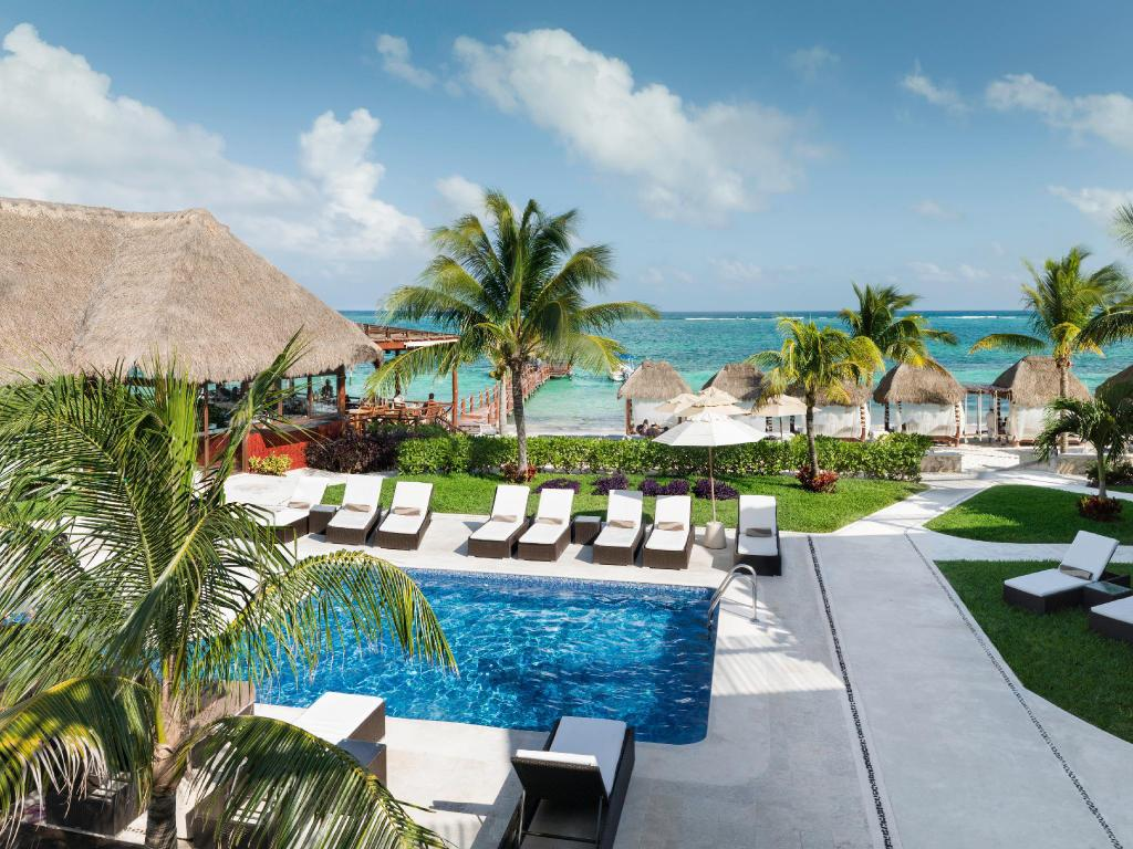 Azul Beach Resort Riviera Maya by Karisma All Inclusive in