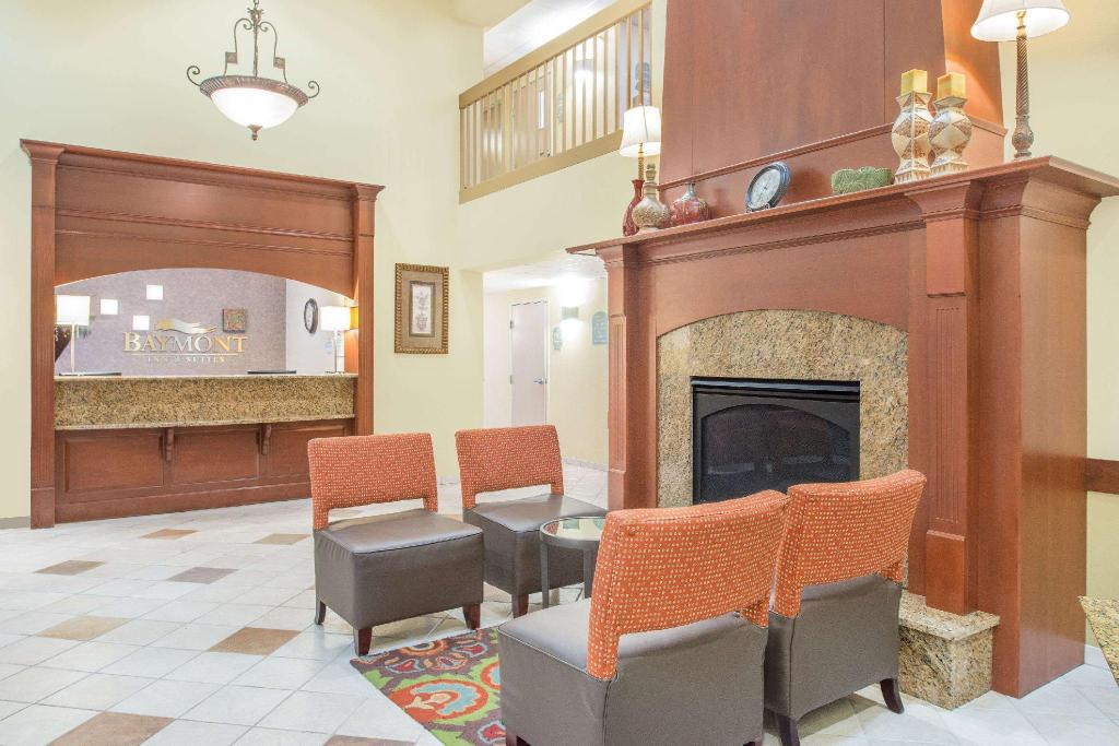 Lobby Baymont by Wyndham Litchfield