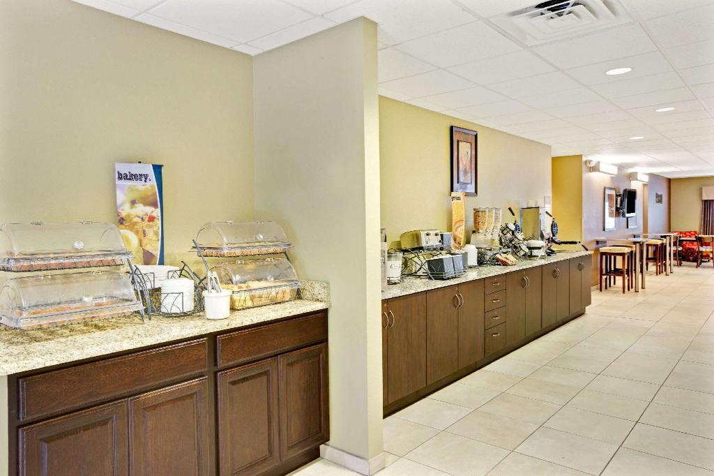 Cafetería Microtel Inn & Suites by Wyndham Bryson City