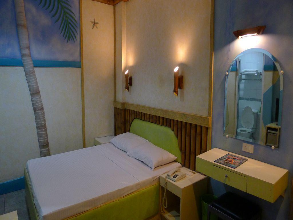 Urban Travellers Hotel In Manila Room Deals Photos Reviews