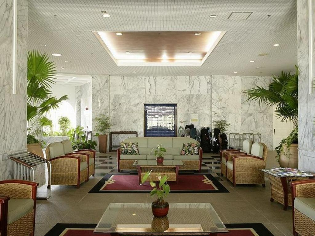 Lobby Starts Guam Golf Resort