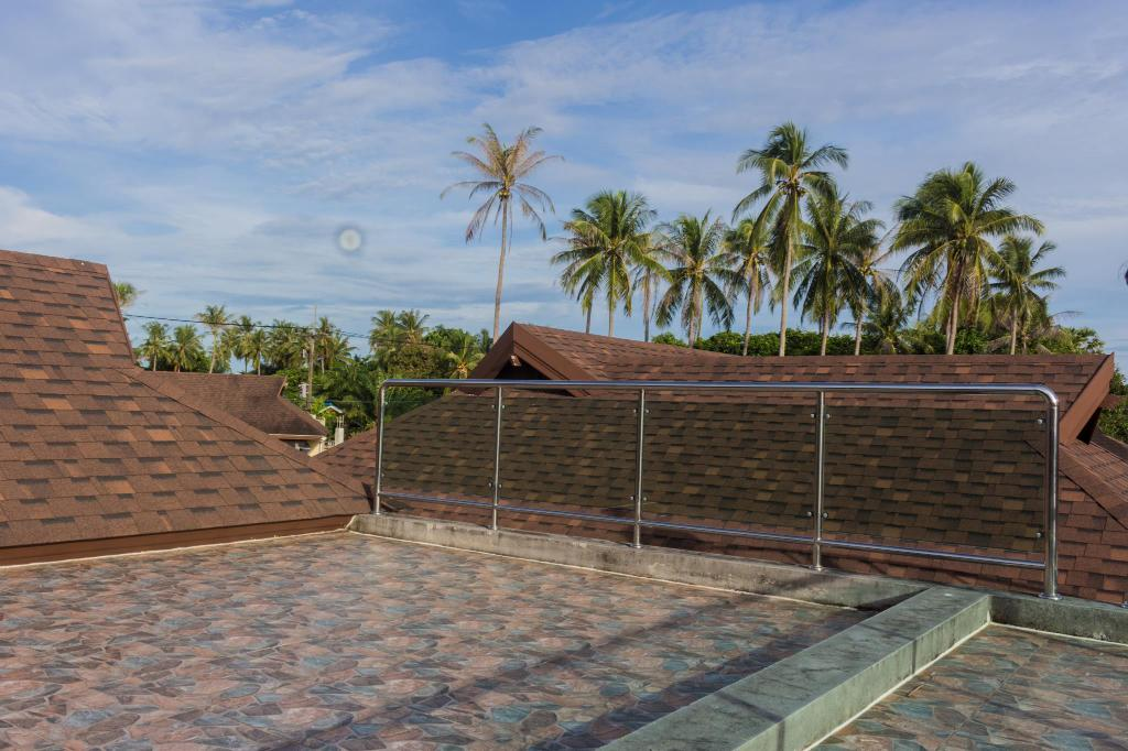 Beach Front Brand New Villa With Roof Top Patio
